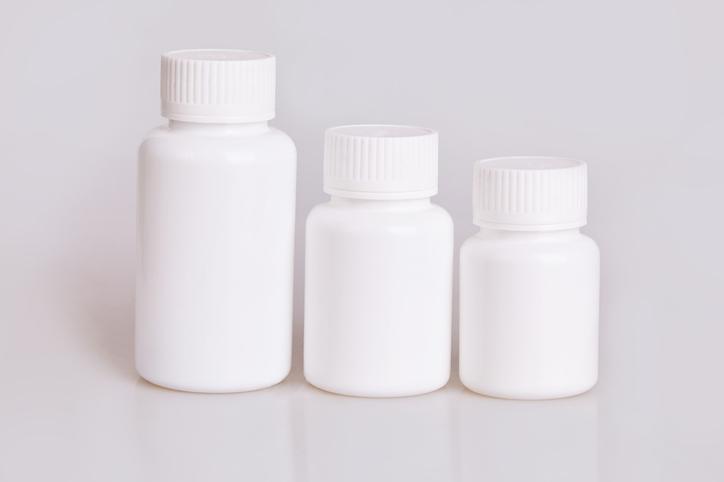 Verschillende potjes supplementen.