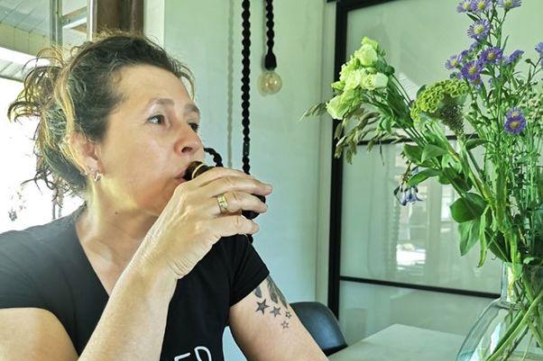 Blogger Joyce drinking CelioGenix